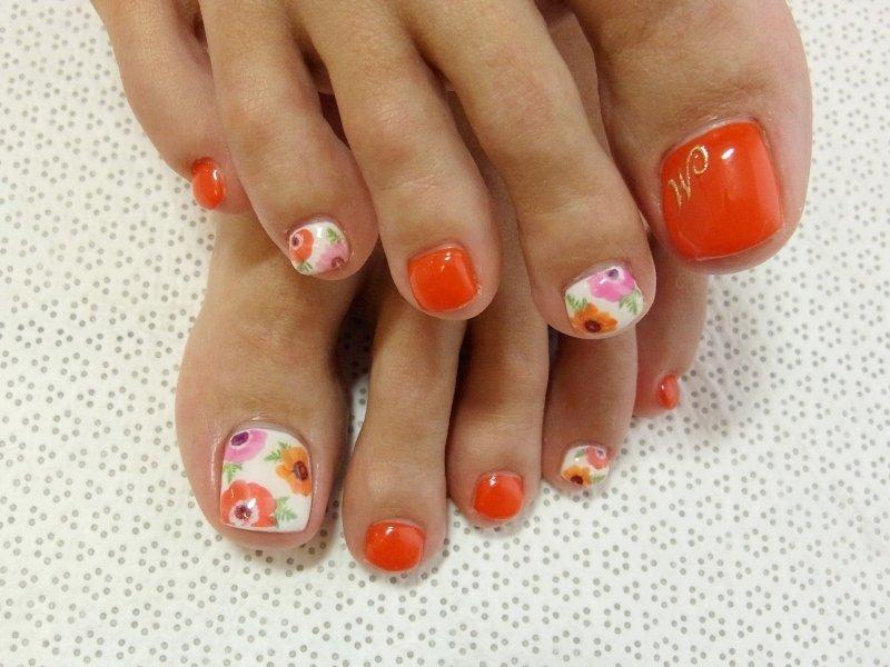 Как накрасить ногти летом